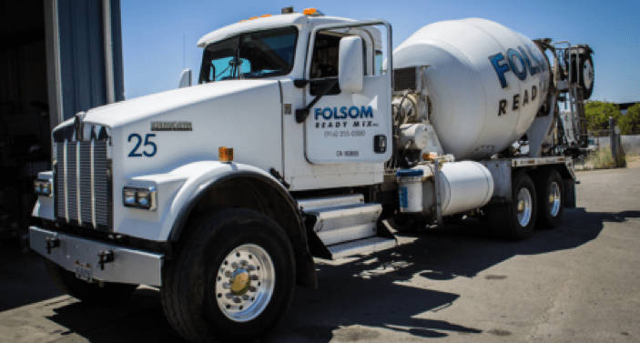 Using Chilled Water or Ice to Slow the Cement Hydration Process in Hot Weather
